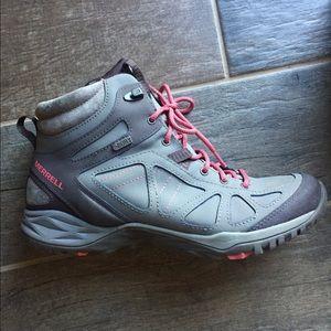 Women's Merrell hiking boot